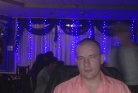 Evgen, 39 - Just Me