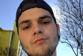 JasonBurns25, 18 - Just Me