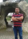 Halil, 35  , Cine