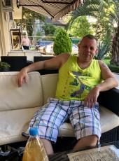 Andrey, 45, Kenya, Meru