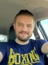 Andrea, 37, Italy, Parma