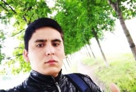 Ruslan , 30 - Just Me