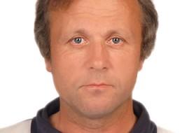 yury, 58 - Just Me