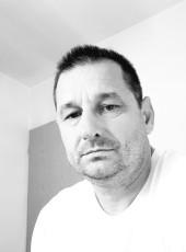 Kine, 42, Bosnia and Herzegovina, Tuzla