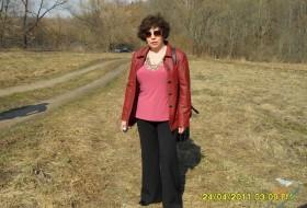 Lidiya, 65 - I am