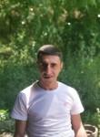 Davit , 18  , Yerevan