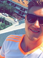 Henning, 23, Germany, Bissendorf