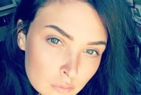 Lana, 24 - Just Me