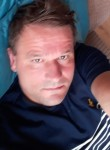 Dean, 46, Clacton-on-Sea