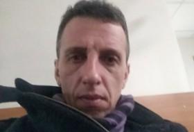 Dmitro, 38 - Just Me