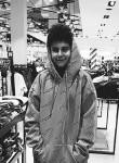 Victor, 18  , Medias