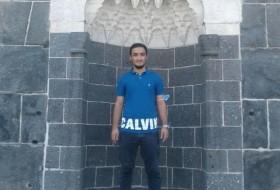 Yusuf yurt, 21 - Just Me