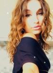 Sara, 20  , Tirana