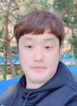 진상혁, 26  , Seoul