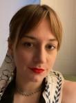 Johanna Ring , 27, Brooklyn