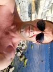 Anatoliy, 45  , Enem