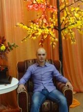 Yuriy, 40, Russia, Yuzhno-Sakhalinsk