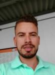Daniel, 27  , Medellin