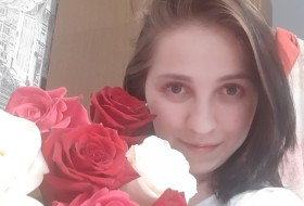 Lubov, 30 - Just Me