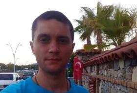 Vlad, 33 - Just Me