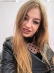 Darya , 23  , Bar
