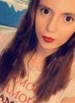 Lucie, 19  , Provins