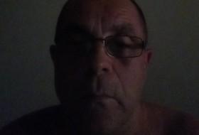 Alex, 54 - Just Me