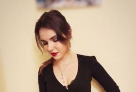 Alisa, 22 - Just Me