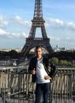 Salah, 35  , Paris