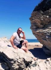 Rocker, 39, Turkey, Istanbul