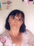 Patricia, 58  , Armentieres