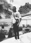 Gloire, 22  , Kinshasa