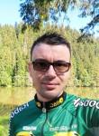Mihai , 32  , Bacau