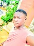 Rousseau, 18  , Yaounde