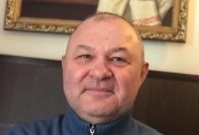 Vitaliy, 58 - Just Me