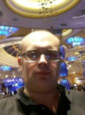 Vitaliy, 38, Russia, Moscow