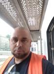 Majo, 35  , Bratislava