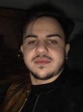 Alex, 26, Romania, Roman