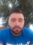 Mihai, 29  , Saint-Quentin-en-Yvelines