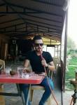 خالد, 21  , Damascus