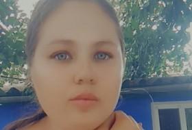 Olya, 20 - Just Me