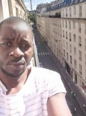 Moussa , 33, France, Paris
