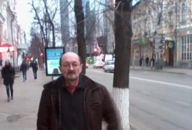 YURY, 60 - Just Me
