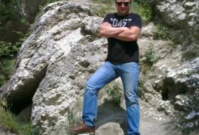 Mikhail, 33 - Just Me