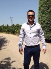 kostas, 38, Greece, Marousi