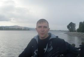 Igor , 40 - Just Me