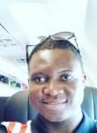 Rozo, 32  , Libreville