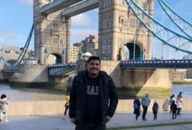 Alfredo, 28 - Just Me
