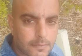 Moshe, 39 - Just Me