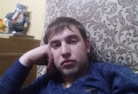 Vlad , 27 - Just Me